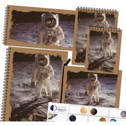 Sada zápisníkov a nálepiek - motív kozmonaut