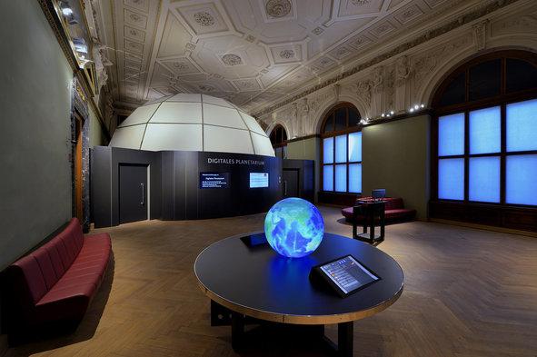 Planetárium v sále múzea